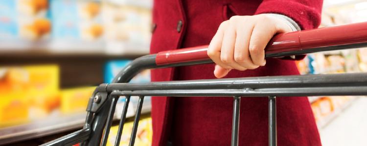 Lei obriga supermercados a higienizarem carrinhos e cestas de compras